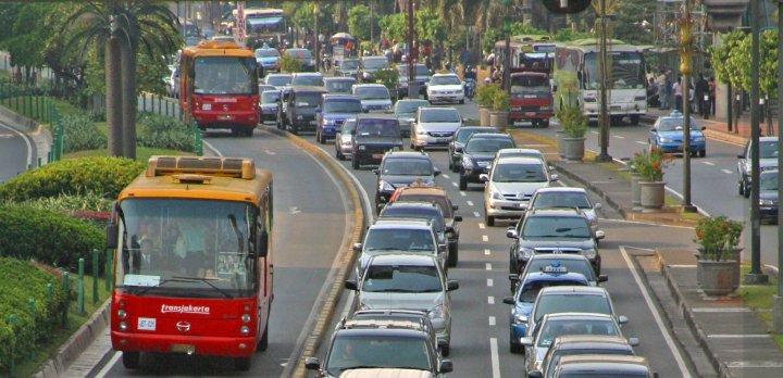 Improving transport planning through real time data analytics 5