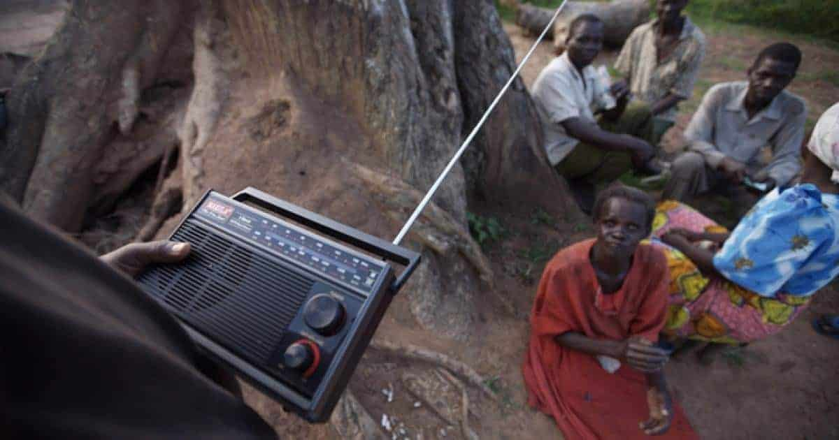 Bringing in people's voices from radio content analysis to respond to a refugee crisis 5